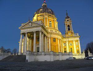 basilica superga di notte