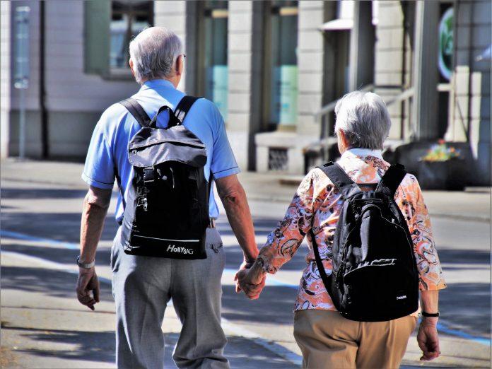 Ti Accompagno, progetto di Torino per aiutare persone anziane, associazione volontariato Auser