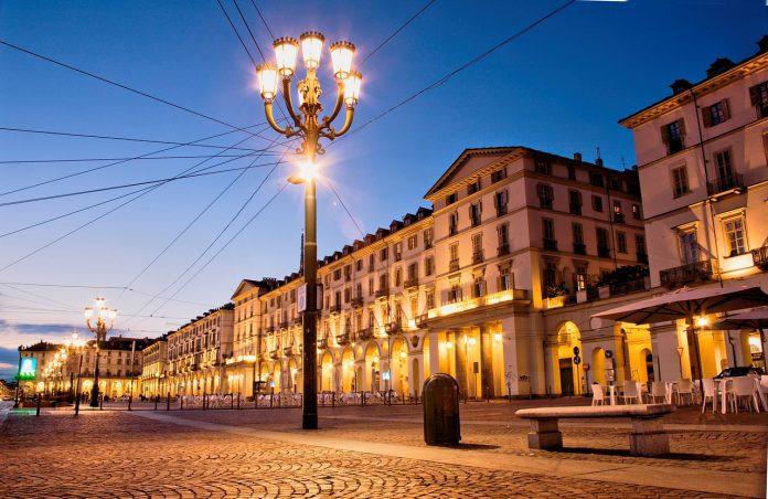 Intitolazioni e targhe alla memoria di Personaggi noti, verranno distribuite per le vie di Torino