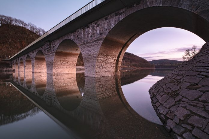 Risanamento conservativo per il ponte sul Po a Verrua Savoia